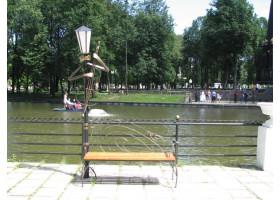 Кованая лавочка-Кованый фонарь №2 Контрабас