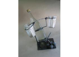 Кованая бутылочница №2 Атлет