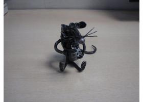 Кованая мышь №2 на отдыхе